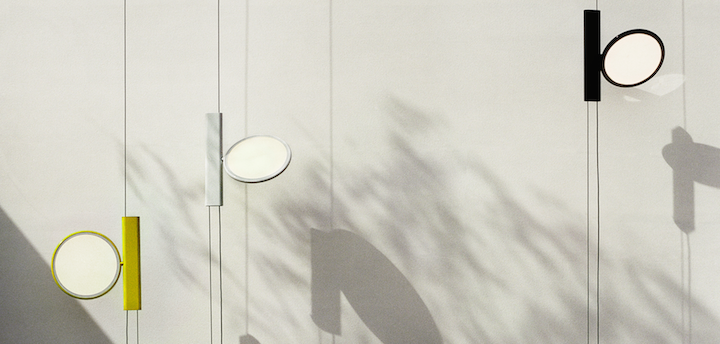 valt de ok lamp van het italiaanse verlichtingsmerk flos binnen de categorie vloerlampen plafondlampen of hanglampen lastig wat belangrijker is is zijn